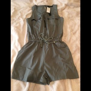 NWT Sleeveless Romper